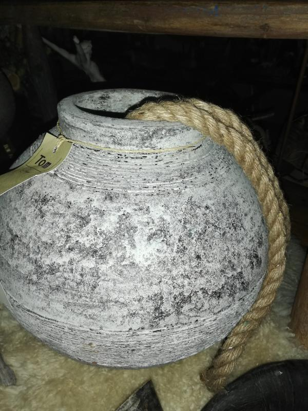 Stoer potten kruiken hebbedingske